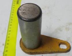 Палец ковша нижний D=65 L=210 CDM833 LG833.11.07/ LG50D.11.07(511004-005)